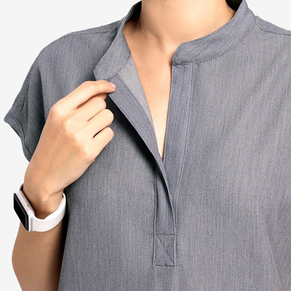 Women's Mandarin Collar Three-Pocket Scrub Top